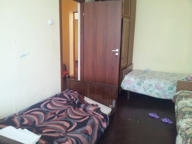 Упавшая кровать