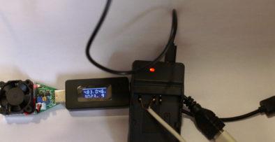 Нагрузка 0.5А: сила тока падает до 0.46А, напряжение - до 4.83В
