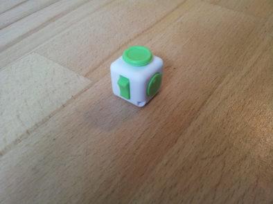 Выключатель и регулятор громкости