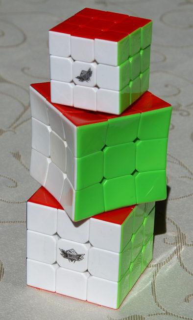Три кубика: снизу - большой циклон, в середине - вогнутый, и сверху - мини-циклон
